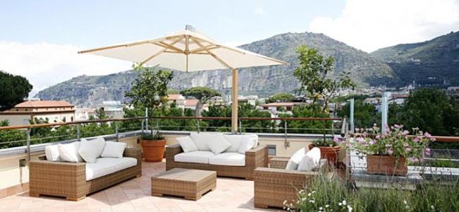 La terrasse de l'auberge Seven à Sorrento
