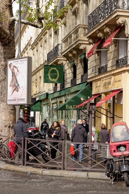 Boutique La Durée Place de La Madeleine par Jennifer D.D.