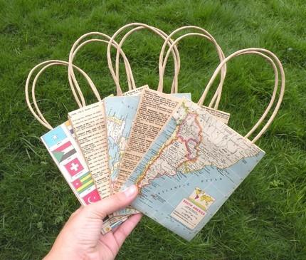 Décorer des sacs en papier à offrir en cadeau (Photo tirée du site)