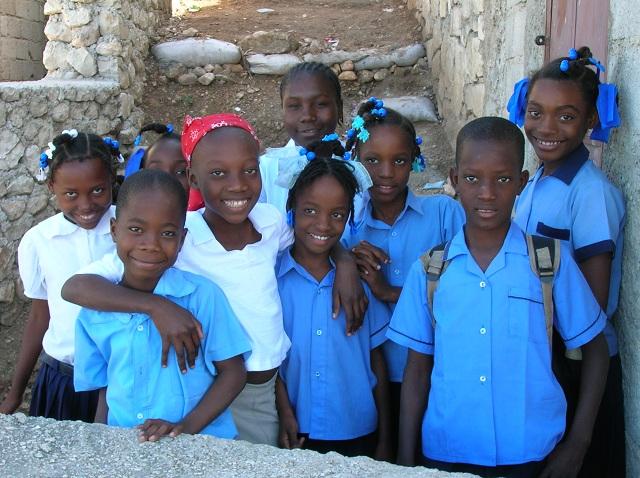 Des écoliers par Isabelle Charette Haïti