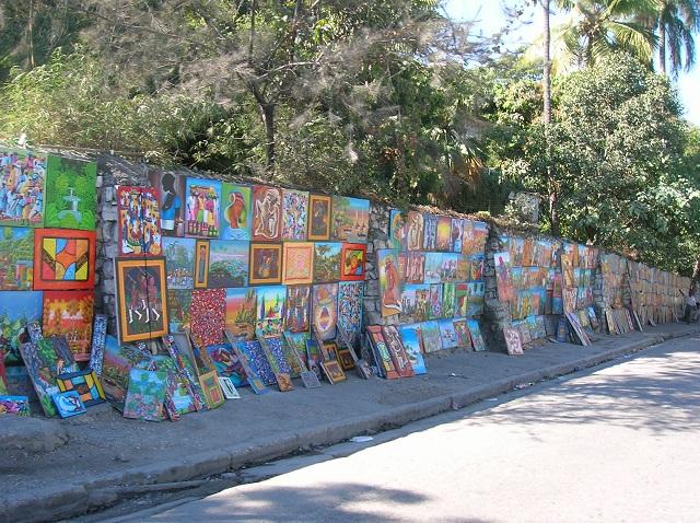 Les toiles le long de la route par Isabelle Charette Haïti