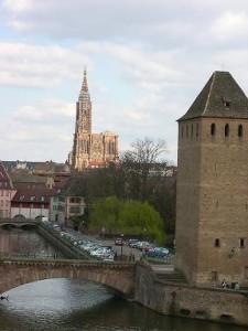 Barrage Vauban et cathédrale