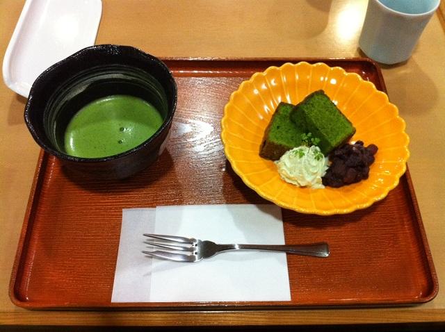 Matcha et pain au matcha à Nara