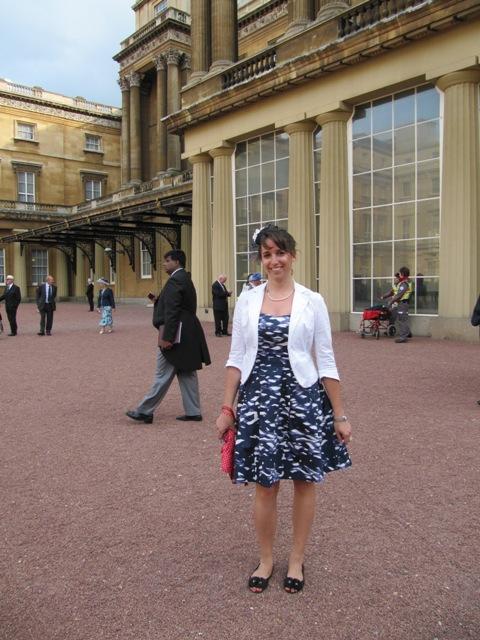 Vanessa dans la cour intérieure de Buckingham Palace