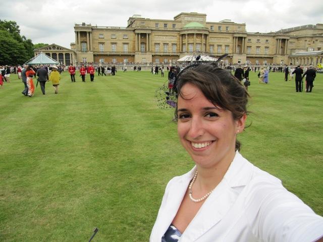 Vanessa dans les jardins de Buckingham Palace