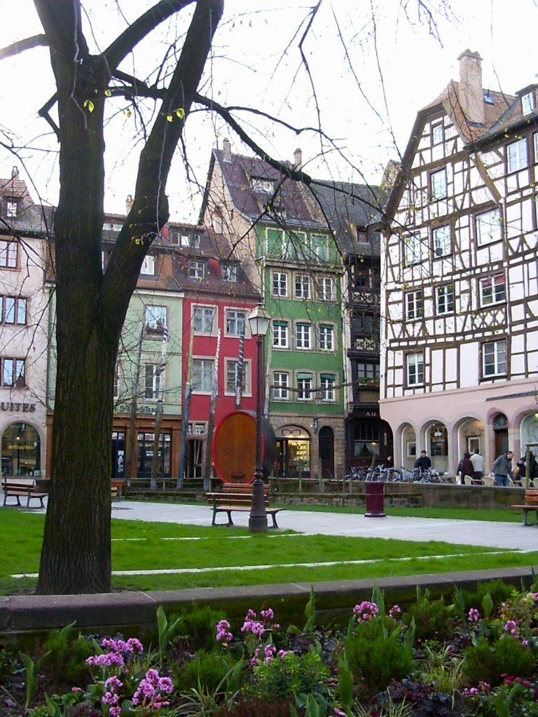 Place publique au Centre de Strasborg