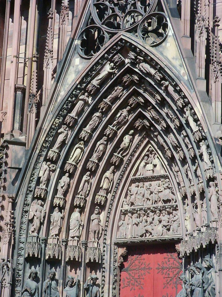 Portique de la cathédrale - Quoi faire à Strasbourg