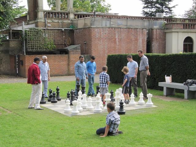 Une partie d'échecs Londres parc