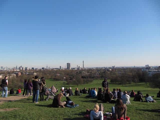 Primerose Hill et Londres en arrière-plan parc