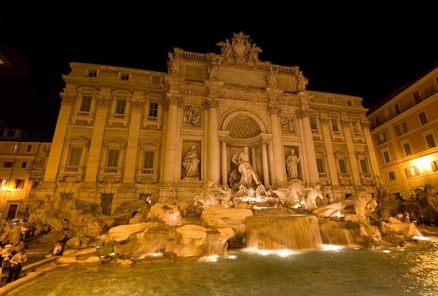 Fontaine de Trévi de nuit Italie Rome