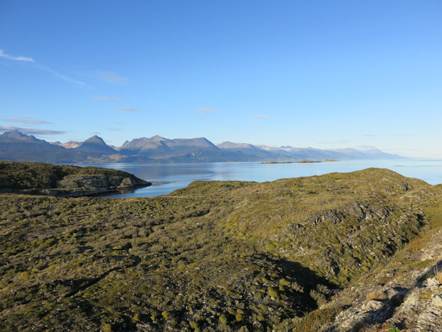 Isla H et les montagnes au loin près d'Ushuaia