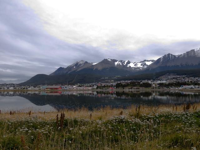 Les montagne de la baie d'Ushuaia