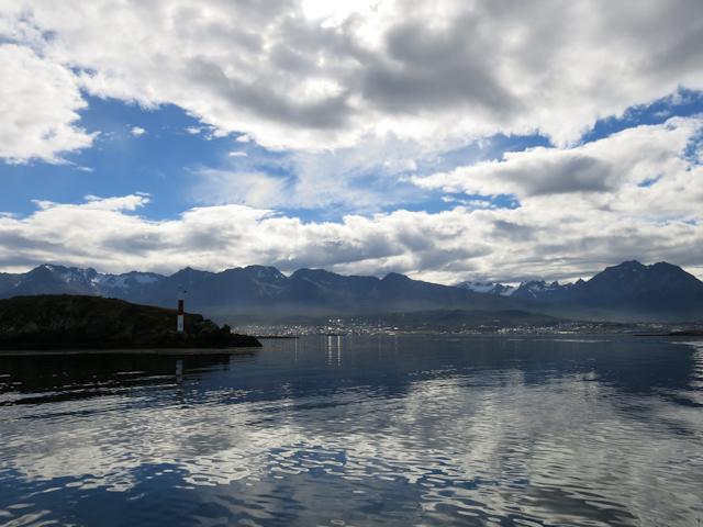 Vue sur Ushuaia du Canal Beagle