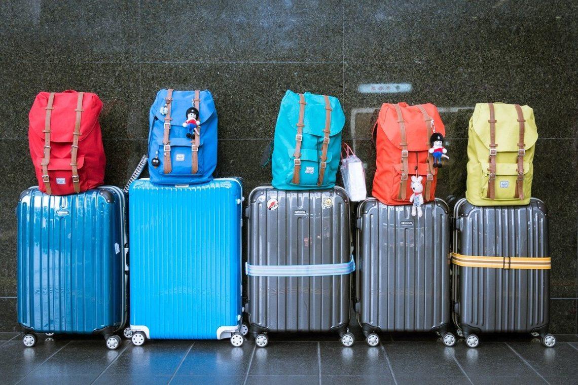 bagages: sacs à dos et valises - tookapic de Pixabay