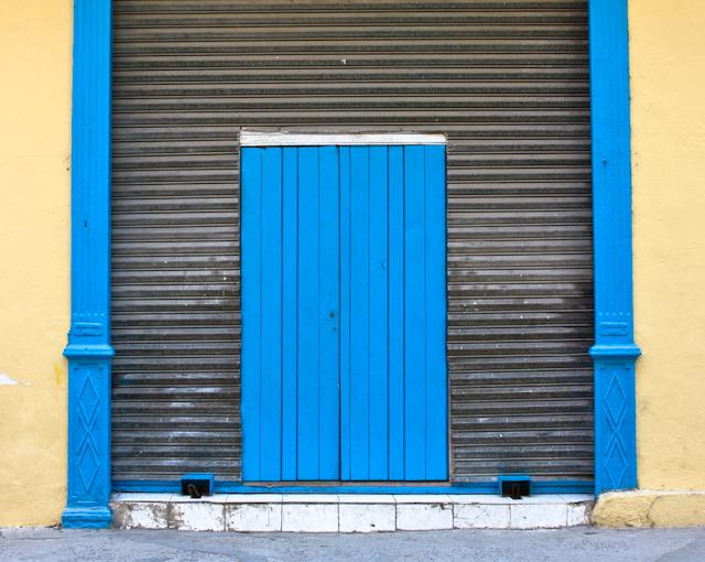 Les vieux portails de La Havane colorée, Cuba