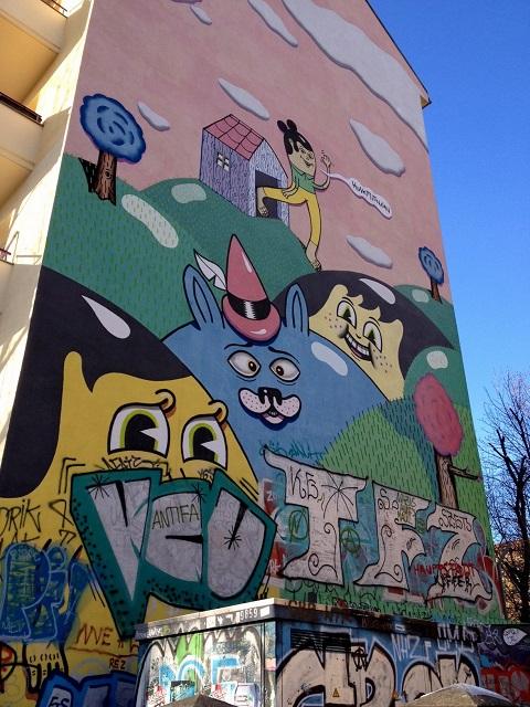 Murale - coin des rues Görlitzer Straße et Falckensteinstraße - Kreuzberg art de rue Berlin