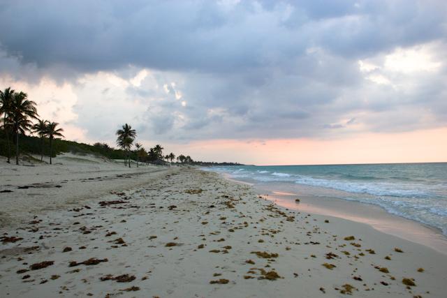 Playa del Este au coucher du soleil, La Havane, Cuba