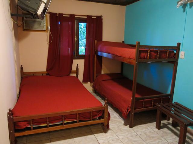 ma chambre au Poramba Hostel à Puerto Iguazu en Argentine