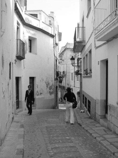 Ruelle de Sitges en Espagne