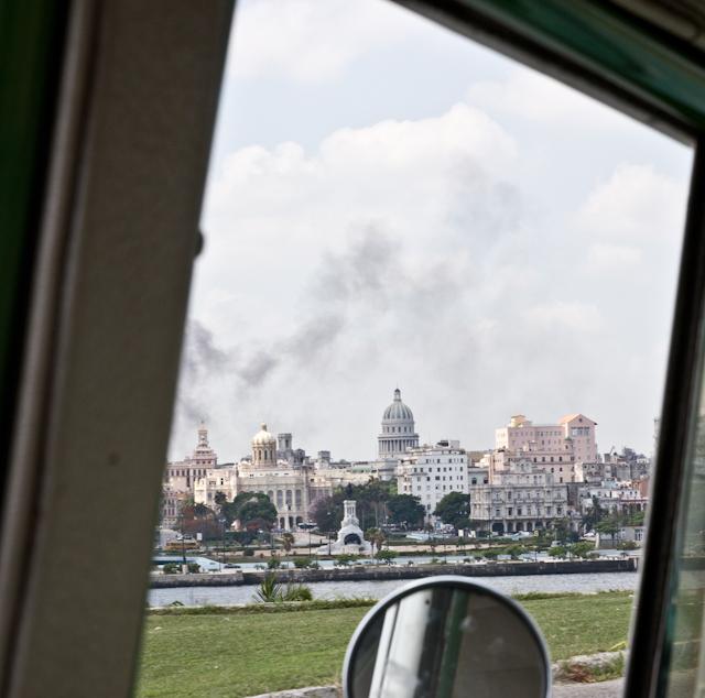 Vue du taxi, La Havane, Cuba