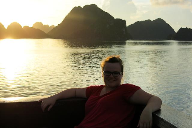 Jen dans la baie d'Halong, Vietnam