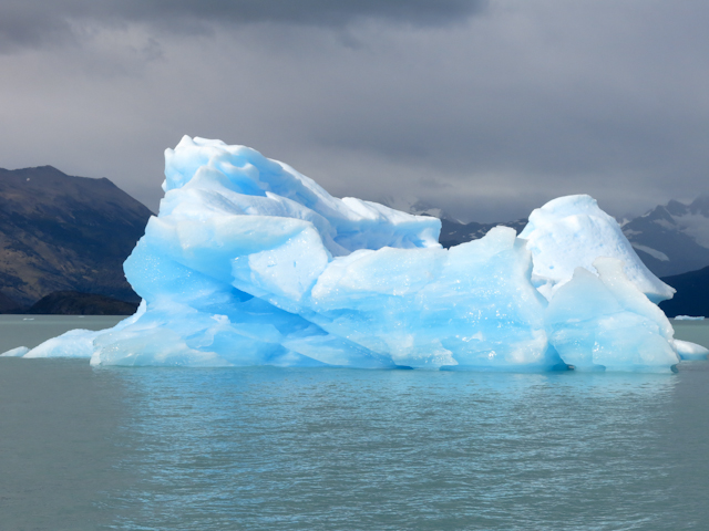 Iceberg - Cruceros MarPatag - El Calafate, Argentine