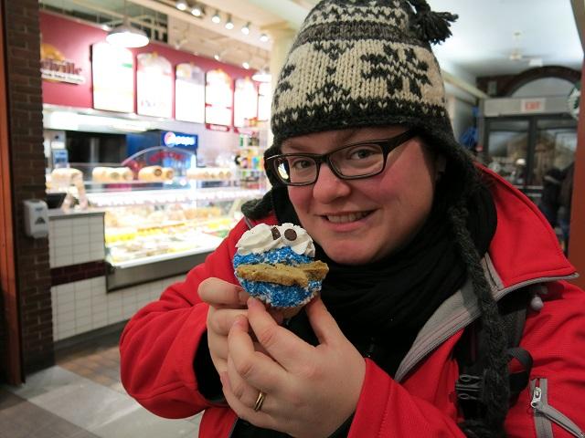 OOoooh, un cupcake!!!!  - Quincy Market - Boston, États-Unis