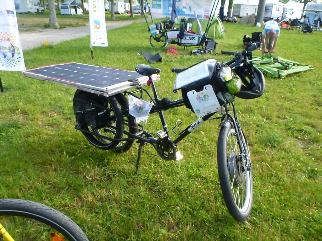 Houbi le vélo solaire à vendre