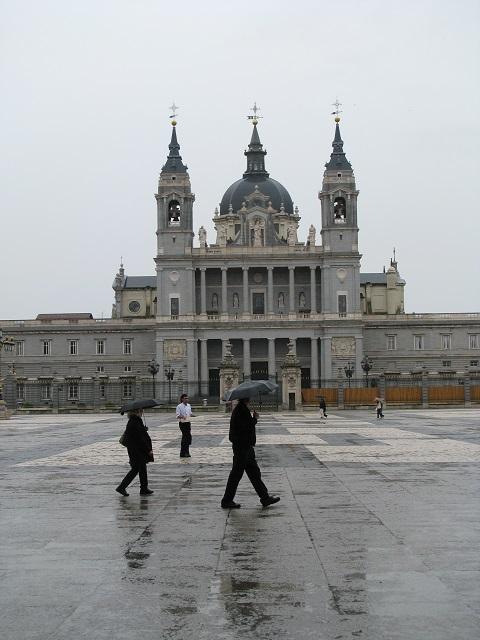 Le Palais Royal à la pluie - Madrid, Espagne