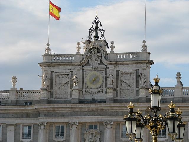 Le drapeau du Palais Royal - Madrid, Espagne