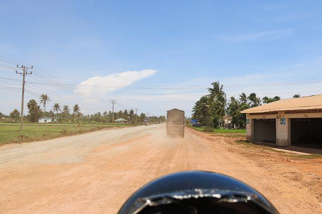 Routes poussiéreuses de Kep, Cambodge