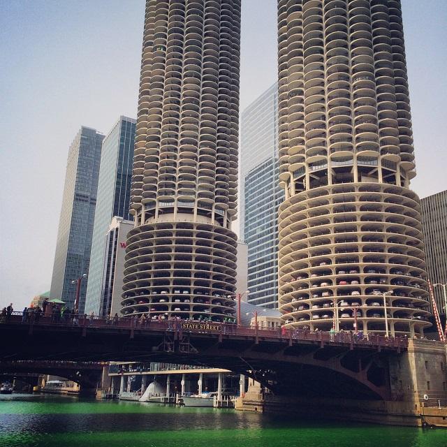 Marina City et la Chicago River - Chicago, Illinois