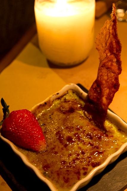 Crème brûlée à la pistache - Le Mouton Noir - Baie-St-Paul, Charlevoix