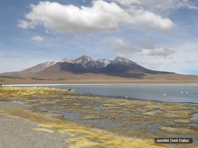 Lagune et sommets enneigés - Désert de sel - Salar d'Uyuni, Bolivie