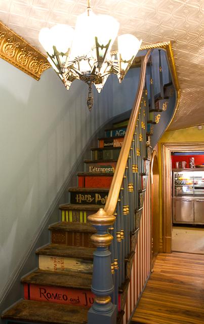 Mon coup de coeur, le biblio-escalier - Bistro Le Forain - Gatineau, Outaouais