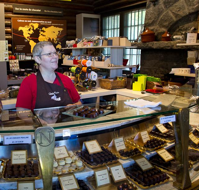 Au comptoir de ChocoMotive - Montebello, Outaouais
