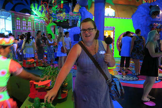 Jen s'amuse au Fantasea Phuket