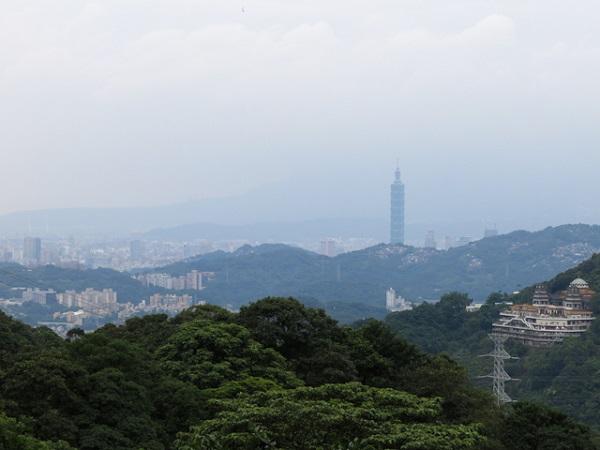 Les montagnes de Taipei au loin - Taipei 101, Taiwan