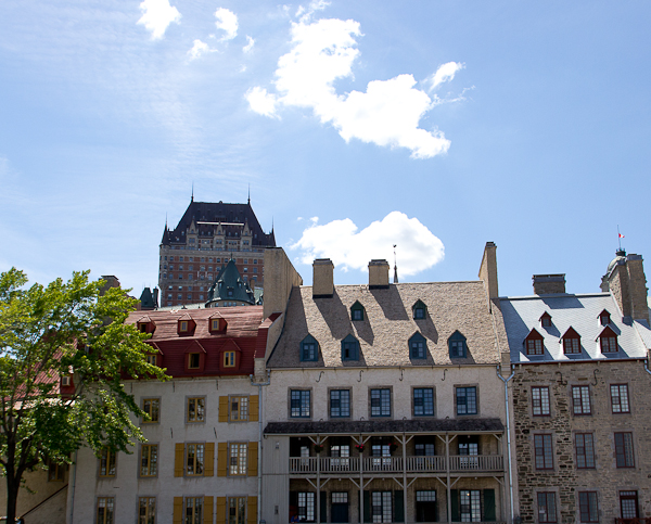 Château Frontenac au loin - Québec, Canada