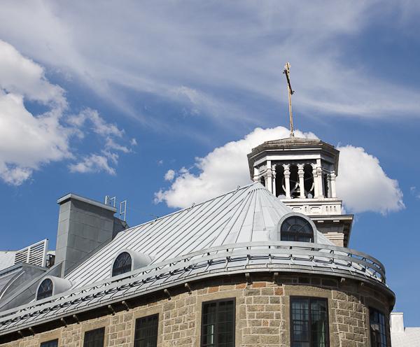 Rondeurs de toit - Québec, Canada