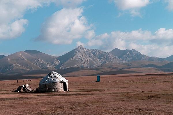 Yourte au lac Song-Köl au Kirghizstan