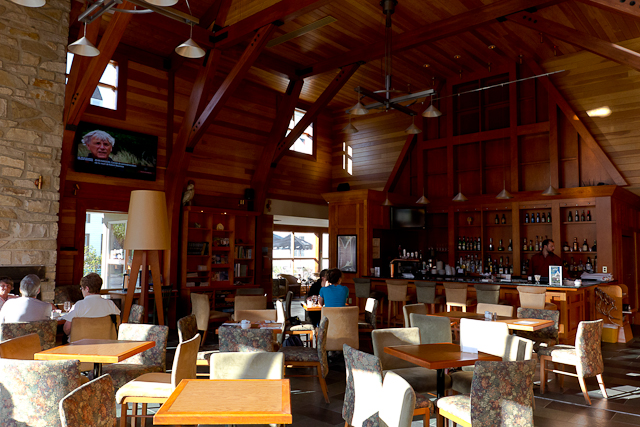 Bar et salle commune - L'Auberge Gîte du Mont-Albert, Gaspésie