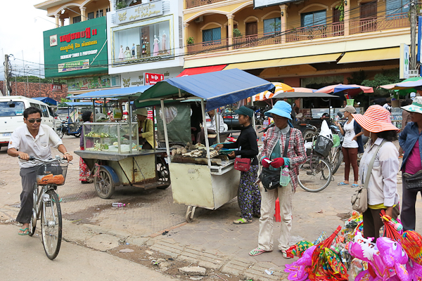 Marché local - Siem Reap Street Food By Night tour - Cambodge