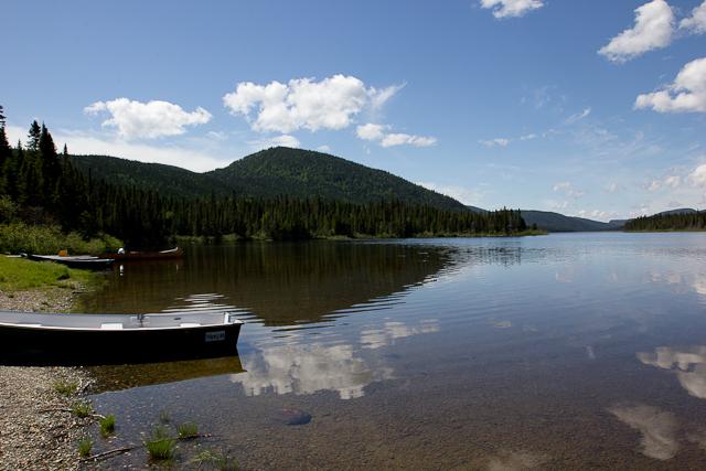 Pêche sur le lac Cascapédia - L'Auberge Gîte du Mont-Albert, Gaspésie