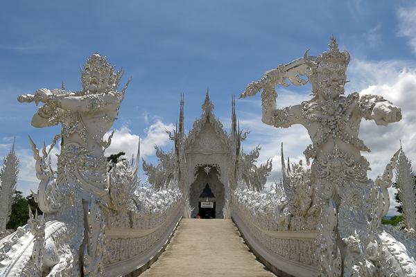 Passerelle d'accès au Temple Blanc (White Temple) - Chiang Rai, Thaïlande