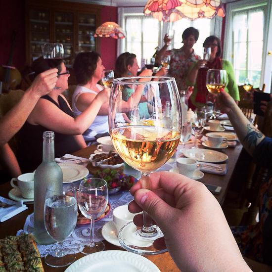Un repas en bonne compagnie à la Bergerie Desneiges - Lanaudière, Québec