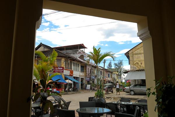 Vue de la terrasse de la Java Bleue - Kampot, Cambodge