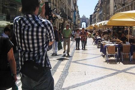 Fred voyage pour prendre des photos de graffitis dans les grandes villes du monde. Il part pratiquement tous les mois pour une […]