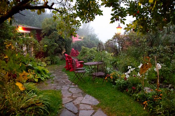 Jardin - Auberge du Mange Grenouille au Bic, Bas-Saint-Laurent