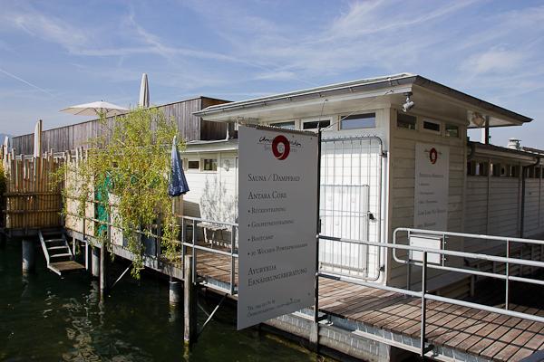 Bains publiques pour se baigner dans le Limmatt - Zurich, Suisse